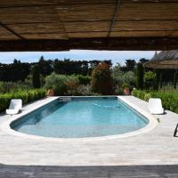Grande villa avec piscine privative entre St Remy de Provence et Avignon