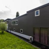 Beautiful Houseboat Amsterdam North (sleeps 4)