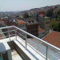 Çimen Apartment