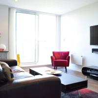 East London 2 Bed Flat With Balcony