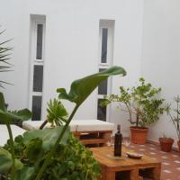 NEW! Duplex en la Bahia de Cadiz con zona chill-out+WiFi, hotel in San Fernando