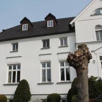 Sunlit Apartment with Garden in Steffenshagen