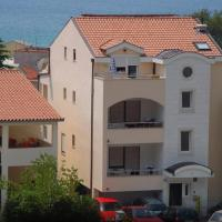 Apartments Juric, hotel in Baška Voda