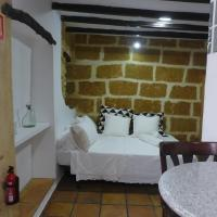 No.5B - Lovely Studio Apt with A/C in the centre of the old town
