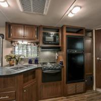 NEW!! Luxury Camper near Grand Canyon