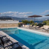 Luxury Poolside Villa