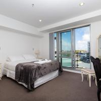 Beautiful Central Home with Balcony Auckland City