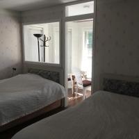 Kelowna Lakeview Cove Bed & Breakfast