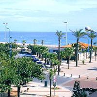 T2 avec vue sur mer à 60 mètres de la plage avec parking privé et tous commerces alentour