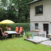 Charming Apartment in Kropelin with Barbecue