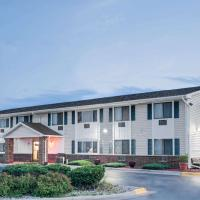 Super 8 by Wyndham Tomah Wisconsin