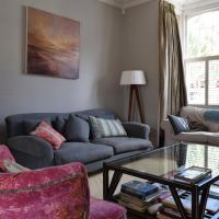 Modern 6 Bedroom House in Chiswick