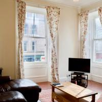 Spacious flat in central Stockbridge