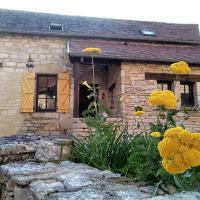 Maison en pierres au coeur du village médiéval de Villeneuve