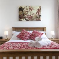 The Three Lamps - Stunning West Bridgford Apartment