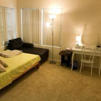 Room Near Staples Center/Subway