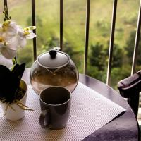 Chill Teal Morning Home | Taal View | Wind Residences Tagaytay