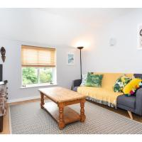 Bright & Modern, 1 bedroom apartment for up to 4
