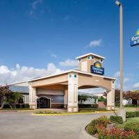 Days Inn & Suites by Wyndham Corpus Christi Central