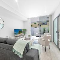 Brand new 2 bedrooms terrace with Free parking, hotel in Pymble
