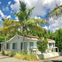 Grove Bay Bungalow - 2/1 Gated Cottage-Walk to Bay