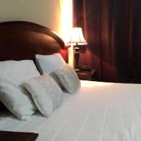 Hotel Plaza Floresta </h2 </a <div class=sr-card__item sr-card__item--badges <div style=padding: 2px 0  <div class=bui-review-score c-score bui-review-score--smaller <div class=bui-review-score__badge aria-label=Har fått 7,9 i betyg 7,9 </div <div class=bui-review-score__content <div class=bui-review-score__title Bra </div </div </div   </div </div <div class=sr-card__item   data-ga-track=click data-ga-category=SR Card Click data-ga-action=Hotel location data-ga-label=book_window:  day(s)  <svg alt=Boendets läge class=bk-icon -iconset-geo_pin sr_svg__card_icon height=12 width=12<use xlink:href=#icon-iconset-geo_pin</use</svg <div class= sr-card__item__content   San Miguel • <span 1,4 km </span  från centrum </div </div </div </div </div </li <div data-et-view=cJaQWPWNEQEDSVWe:1</div <li id=hotel_1191764 data-is-in-favourites=0 data-hotel-id='1191764' class=sr-card sr-card--arrow bui-card bui-u-bleed@small js-sr-card m_sr_info_icons card-halved card-halved--active   <div data-href=/hotel/sv/hoteles-tropico-inn.sv.html onclick=window.open(this.getAttribute('data-href')); target=_blank class=sr-card__row bui-card__content data-et-click=  <div class=sr-card__image js-sr_simple_card_hotel_image has-debolded-deal js-lazy-image sr-card__image--lazy data-src=https://q-cf.bstatic.com/xdata/images/hotel/square200/37829881.jpg?k=77459981698a89fcbf73e931fc9004e918dac7ffef71eee0e6a179996a8c30bc&o=&s=1,https://q-cf.bstatic.com/xdata/images/hotel/max1024x768/37829881.jpg?k=147213c124fef67eeb0808d1ba3eda4108334912c265ab5d20bb92ecdcd9e1eb&o=&s=1  <div class=sr-card__image-inner css-loading-hidden </div <noscript <div class=sr-card__image--nojs style=background-image: url('https://q-cf.bstatic.com/xdata/images/hotel/square200/37829881.jpg?k=77459981698a89fcbf73e931fc9004e918dac7ffef71eee0e6a179996a8c30bc&o=&s=1')</div </noscript </div <div class=sr-card__details data-et-click=     data-et-view=  <div class=sr-card_details__inner <a href=/hotel/sv/hoteles-tropico-inn.sv.html onclick=e
