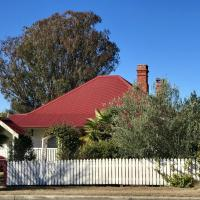 Tenterfield Historic c1895 Cottage