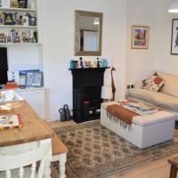 2 Bedroom Top Floor Apartment in Islington