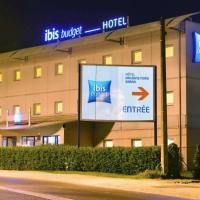 Ibis Budget Orléans Nord Saran </h2 </a <div class=sr-card__item sr-card__item--badges <div class= sr-card__badge sr-card__badge--class u-margin:0  data-ga-track=click data-ga-category=SR Card Click data-ga-action=Hotel rating data-ga-label=book_window:  day(s)  <i class= bk-icon-wrapper bk-icon-stars star_track  title=2 étoiles  <svg aria-hidden=true class=bk-icon -sprite-ratings_stars_2 focusable=false height=10 width=21<use xlink:href=#icon-sprite-ratings_stars_2</use</svg                     <span class=invisible_spoken2 étoiles</span </i </div   <div style=padding: 2px 0  <div class=bui-review-score c-score bui-review-score--smaller <div class=bui-review-score__badge aria-label=Avec une note de 6,9 6,9 </div <div class=bui-review-score__content <div class=bui-review-score__title Agréable </div </div </div   </div </div <div class=sr-card__item   data-ga-track=click data-ga-category=SR Card Click data-ga-action=Hotel location data-ga-label=book_window:  day(s)  <svg aria-hidden=true class=bk-icon -iconset-geo_pin sr_svg__card_icon focusable=false height=12 role=presentation width=12<use xlink:href=#icon-iconset-geo_pin</use</svg <div class= sr-card__item__content   Saran • <span 1,5 km </span  du centre </div </div </div </div </div </li <div data-et-view=cJaQWPWNEQEDSVWe:1</div <li id=hotel_505788 data-is-in-favourites=0 data-hotel-id='505788' class=sr-card sr-card--arrow bui-card bui-u-bleed@small js-sr-card m_sr_info_icons card-halved card-halved--active   <div data-href=/hotel/fr/kyriad-orleans-nord-saran-xml.fr.html onclick=window.open(this.getAttribute('data-href')); target=_blank class=sr-card__row bui-card__content data-et-click=  <div class=sr-card__image js-sr_simple_card_hotel_image has-debolded-deal js-lazy-image sr-card__image--lazy data-src=https://q-cf.bstatic.com/xdata/images/hotel/square200/207335346.jpg?k=83e9d60b096f2a9815339cfe733571ccec8a036e3be4945cde7b0c3b8be6ffb3&o=&s=1,https://r-cf.bstatic.com/xdata/images/hotel/max1024x768/207335346.jpg