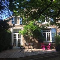 """Maison de vacances, Gîte """"Le vieux Logis"""" à Profondeville"""