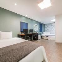 Cube Hotel