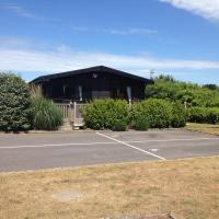 SHOREFIELDS HOLIDAY PARK CABIN