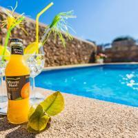 Costitx Villa Sleeps 8 Pool Air Con WiFi