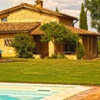 Monteriggioni Villa Sleeps 6 Pool WiFi