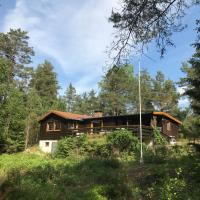 Cosy cabin in the forest 10 min from E6
