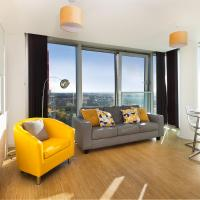 Two Bedroom Apartment with Two Bathrooms, Free Parking & City View in Central MK