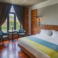 Treasures Hotel and Suites, hotel di Melaka