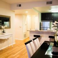 Central Luxury Hollywood Condo near Dolby Theater