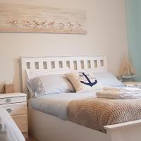 Coastal Bedroom in Shared Flat