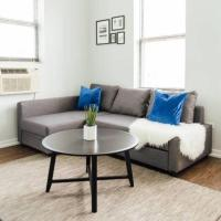 Trendy Apt | Perfect for Cubs, Music, Nightlife M8