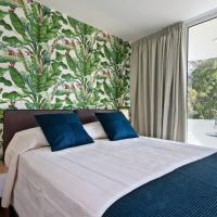 Maison 66, Riviera Hotels