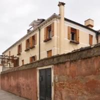 Sestiere di Santa Croce Apartment Sleeps 5 Air Con