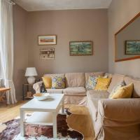 Bright, cosy flat in unbelievable location