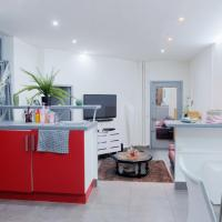 **CENTRAL** Nice Flat in the Peninsula!