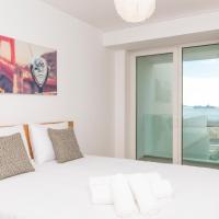 5 Star Riverside Apartment, A/C, Netflix & Parking
