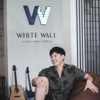 White Wall Poshtel