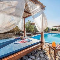 Lardos Villa Sleeps 8 Air Con WiFi