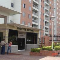 Apartamento frente al Centro comercial Cacique