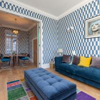Extraordinary 3BR house in Notting Hill with patio