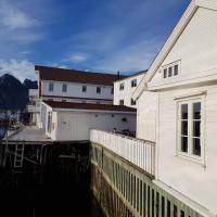 Amazing fishermans Lodge on the pier